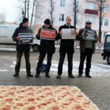 """Активисты «Альтернативы» вызвали """"на ковер"""" главу Молодеченского райисполкома"""