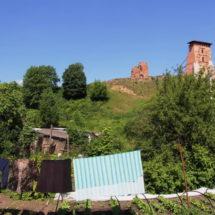 Навагрудскі замак у летніх фотаздымках