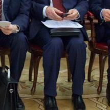В Беларуси приняли новый закон — отныне писать о коттеджах чиновников нельзя