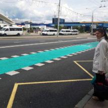 Как выглядит первая в Минске велодорожка на проезжей части