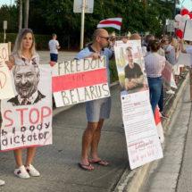 Фотофакт. Акция в поддержку беларуского народа в Майями